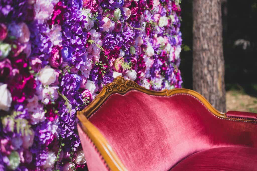 ścianka kwiatowa z piwoni